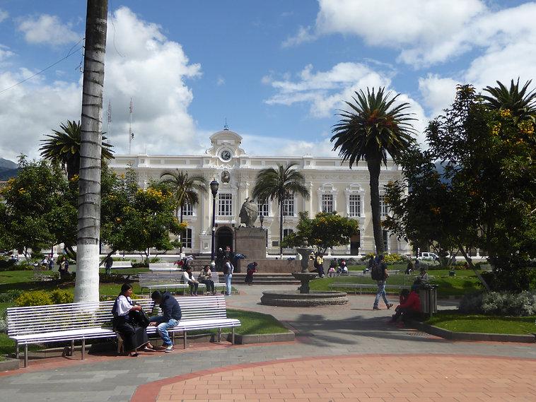 Otavalo_Ecuador665_Municipio.jpg
