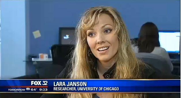 Lara @ FOX 32, May 2013.jpg