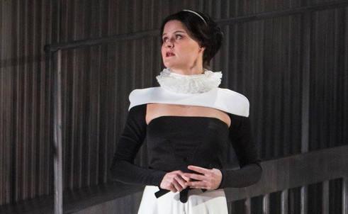 """Ana Hagedorn in """"Mary Stuart"""""""