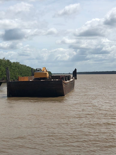 barge.3.jpg