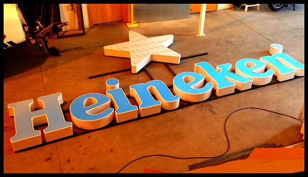 lightboxes, caixa de luz heineken, letras, lettering