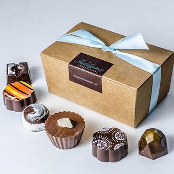 20070004-truffles-6box-chocolatiers-454x