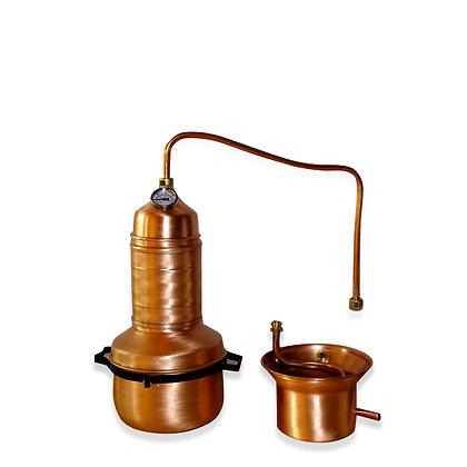 Destille mit Siebeinsatz und Thermometer