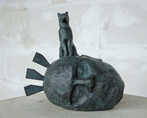 Ohne Titel, 2016 Bronze, patiniert H. 18,5 cm, B. 22 cm (Gegossen 2021 Bildgießerei Richard Barth, Rinteln) - Ioana Luca - Bildhauerei