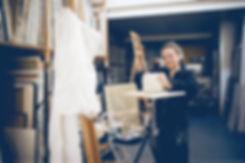 Ioana Luca, Bildhauerin, Plastikerin, Künstlerin, Plastiken, Tonmodell, modellieren, im Atelier, Düsseldorf, Joerg Strehlau Photography, Plastiker, Bildhauer in Düsseldorf