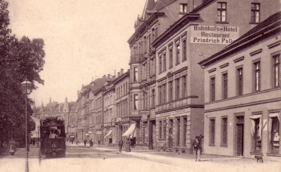 Kölnerstrasse vor dem Bahnhof um 1905