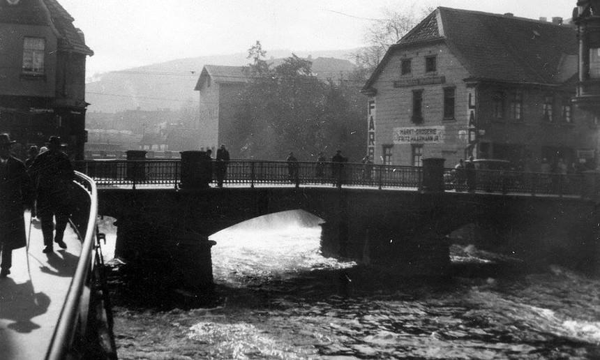 Blick_auf_die_Marktbrücke_um_1935.jpg