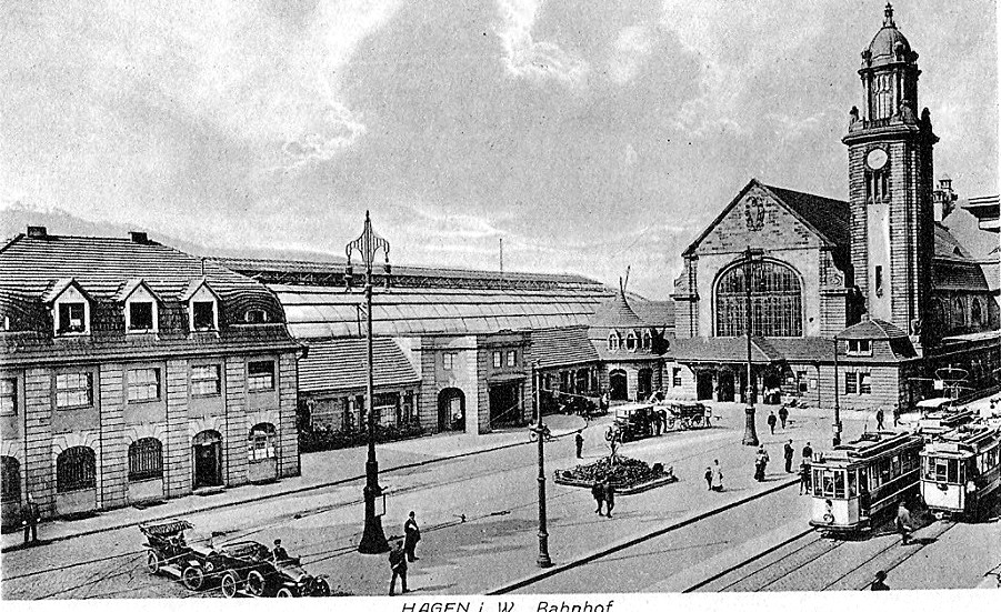 Der dritte und heutige Bahnhof um 1913