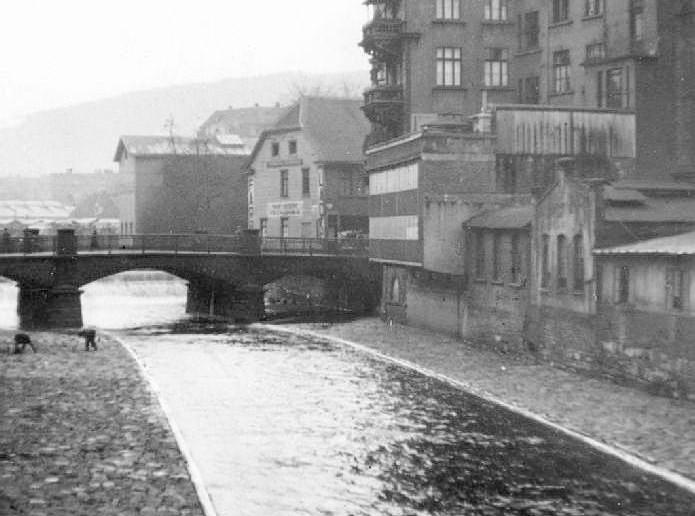 Blick_auf_die_Marktbrücke_über_die_Vol