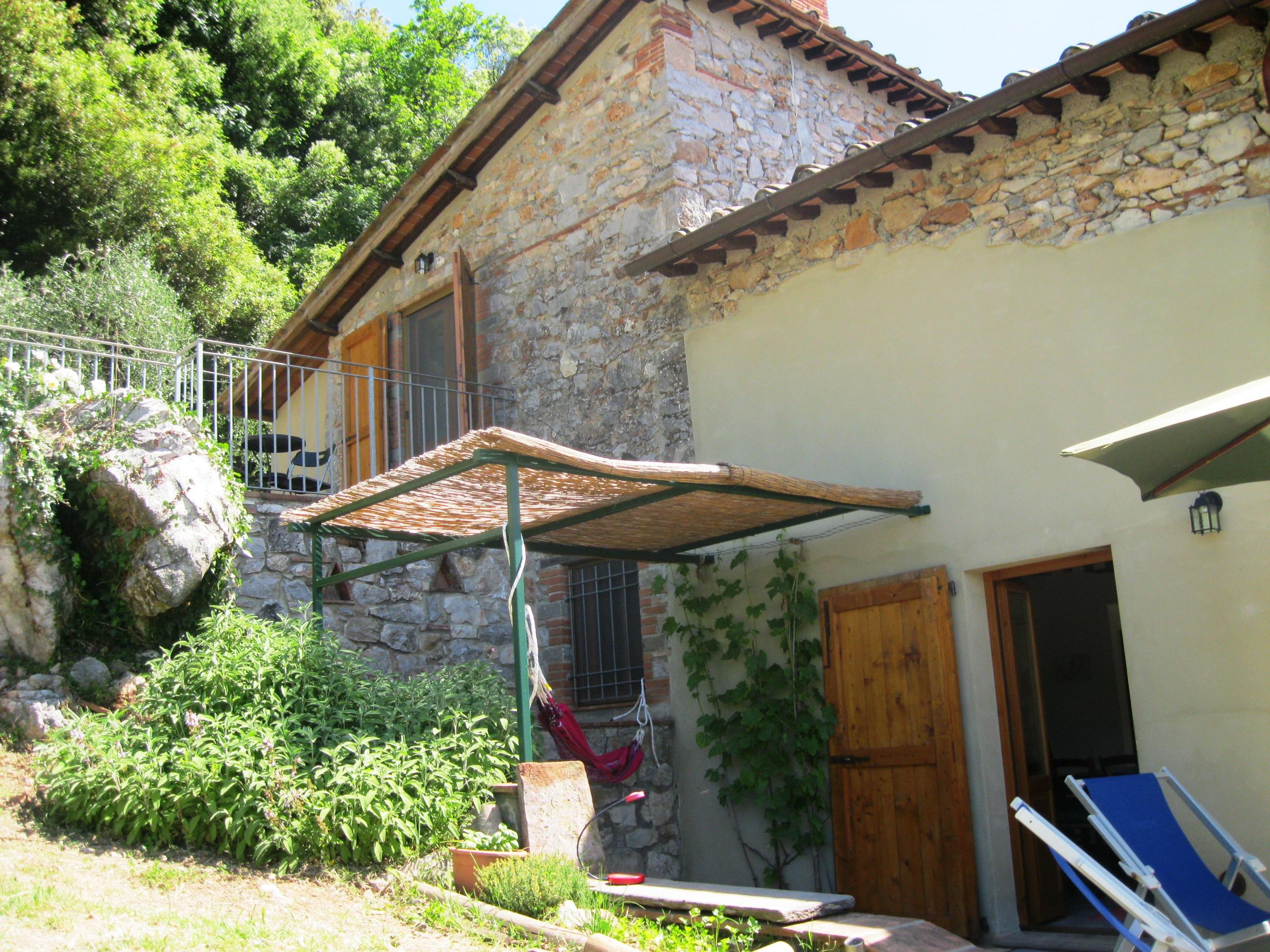 La Casa_west side