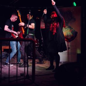 Ämpäri-bändillä kova meno Musiikkiklubi POP UPissa, kuva Jaakko Posti Photography