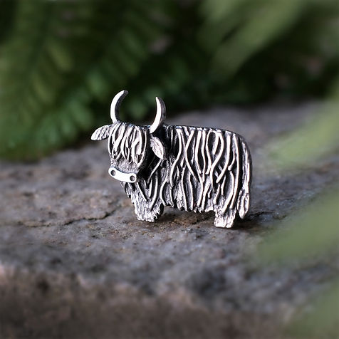 Hairy Coo Brooch      (with moooving head)