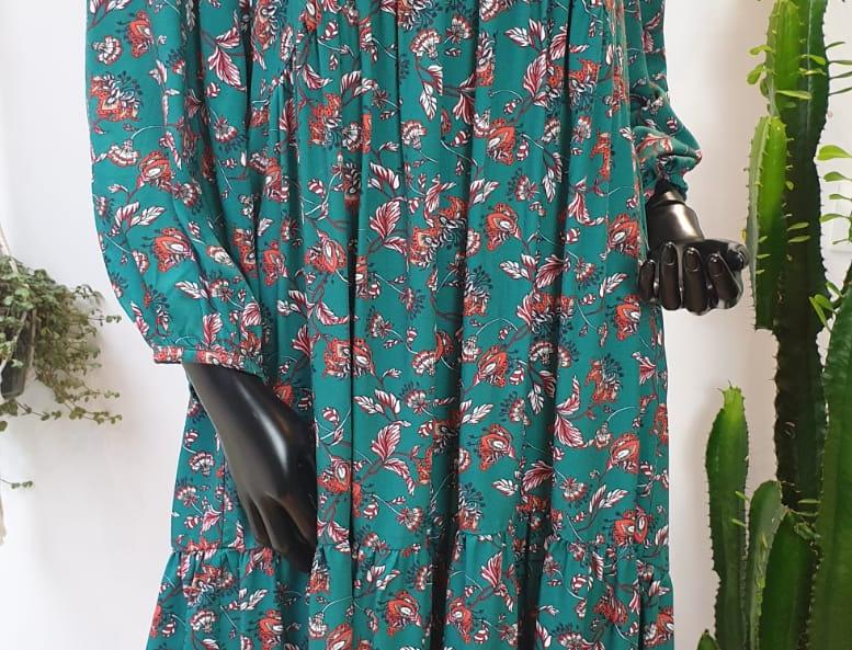 Robe longue verte à fleurs