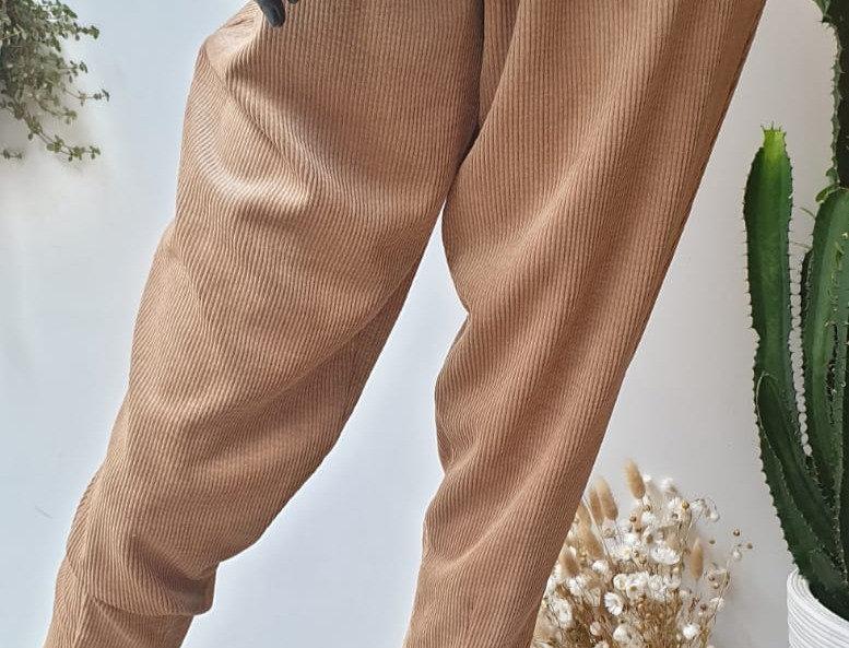 Pantalon en velours côtelé camel