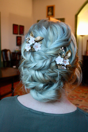 Bridal hair, wedding hairdresser