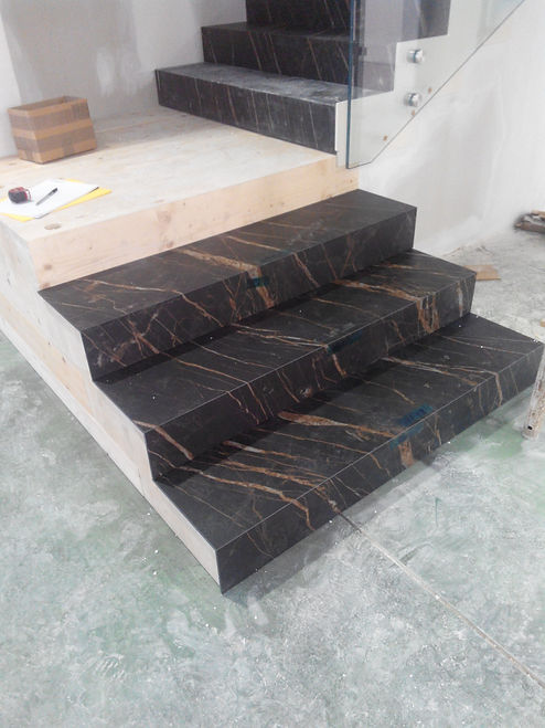 rivestimento in gres di scala in legno.jpg