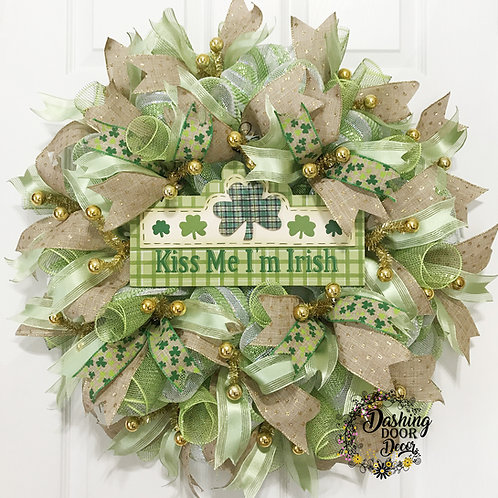 St Patrick's Day Kiss Me I'm Irish Deco Mesh Wreath