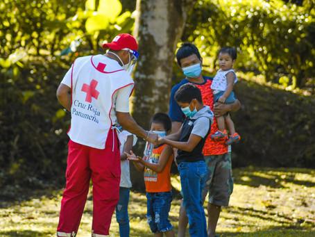 Comunidad Emberá Ella Drúa atendida por voluntarios de la Cruz Roja Panameña
