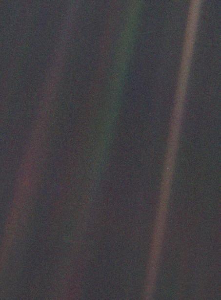 """Carl Sagan's """"The Pale Blue Dot"""" (1990)"""