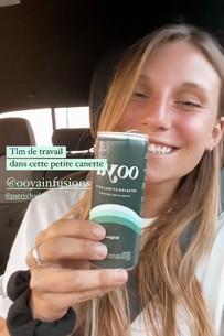 Petite photo souvenir lorsque Mathilde, co-fondatrice, a officiellement goûté au produit final en canette! On va se le dire, il y a beaucoup de travail et de fierté derrière ce projet. Share the love! OOYA