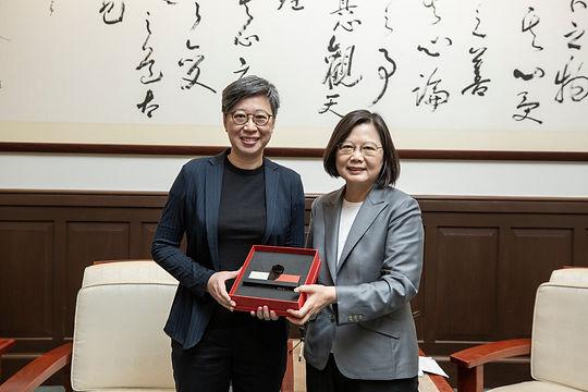 總統晉見_JH與小英合照.jpg