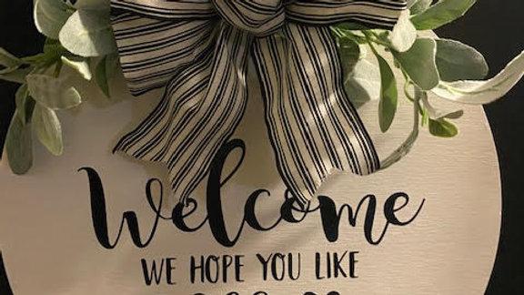 """""""Welcome, We Hope You Like Dogs"""" Wooden Door Wreath"""