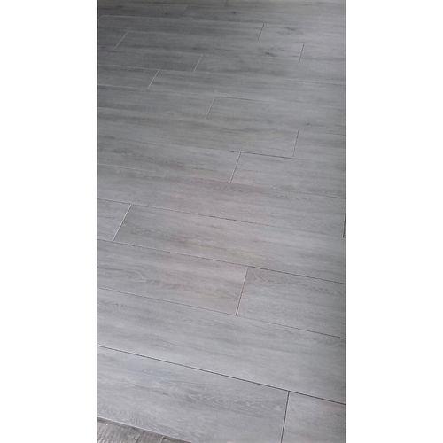Floor_Porcelain_Plank.jpg