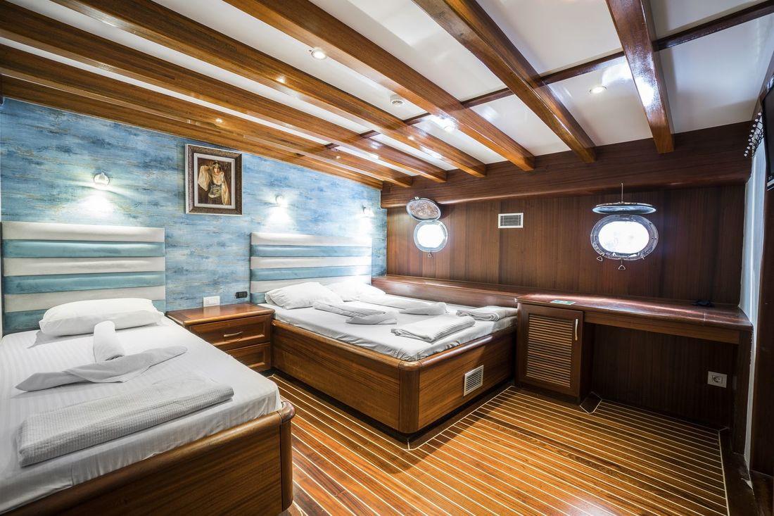 13_Gulet_Love_Boat.jpg