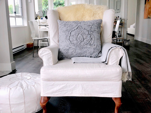 How to Master the Throw Pillow Mix