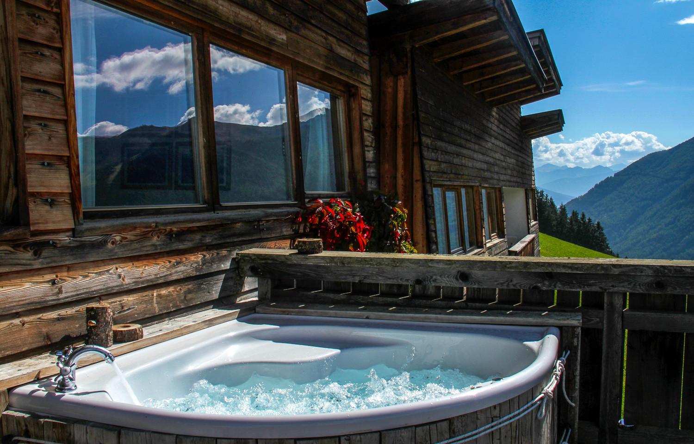 schauinstal_Hütte1_Whirlpool2.jpg