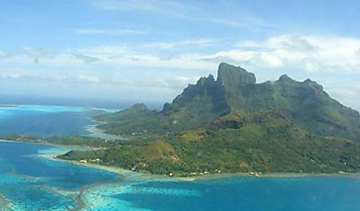 L'île de Bora-Bora et son lagon