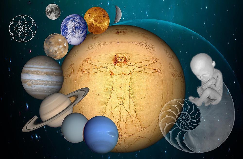 Le manpower au centre de l'univers, un fœtus occupe la partie droite de l'image