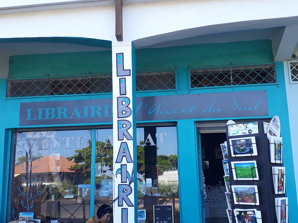 """Devanture de la librairie """" L'accent du Sud """" St Pierre île de la Réunion"""