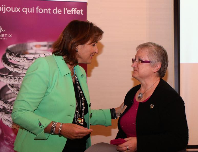 Remise du prix par Petra Döring à Cathy Montaut, une photo signée Magnetix