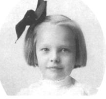Photo en noir et blanc d'Amelia enfant