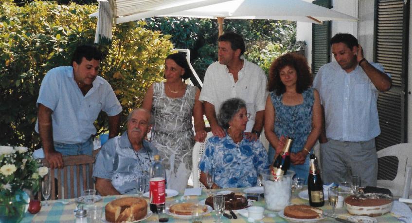 Léon et Jeanne entourés de leurs cinq enfants