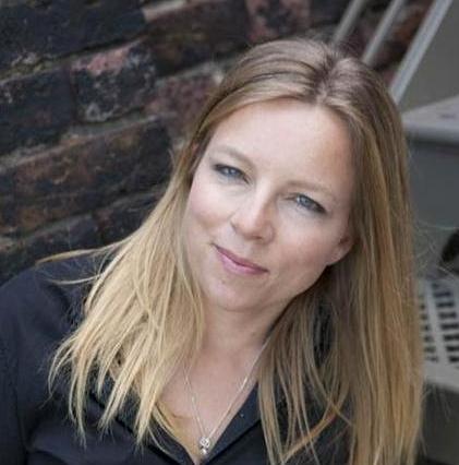 portrait de l'auteure Fiona Neill
