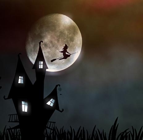 A la pleine lune, une sorcière passe devant avec son balai