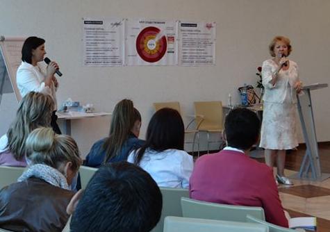 Lise Bourbeau dirige des ateliers à Kiev en 2013