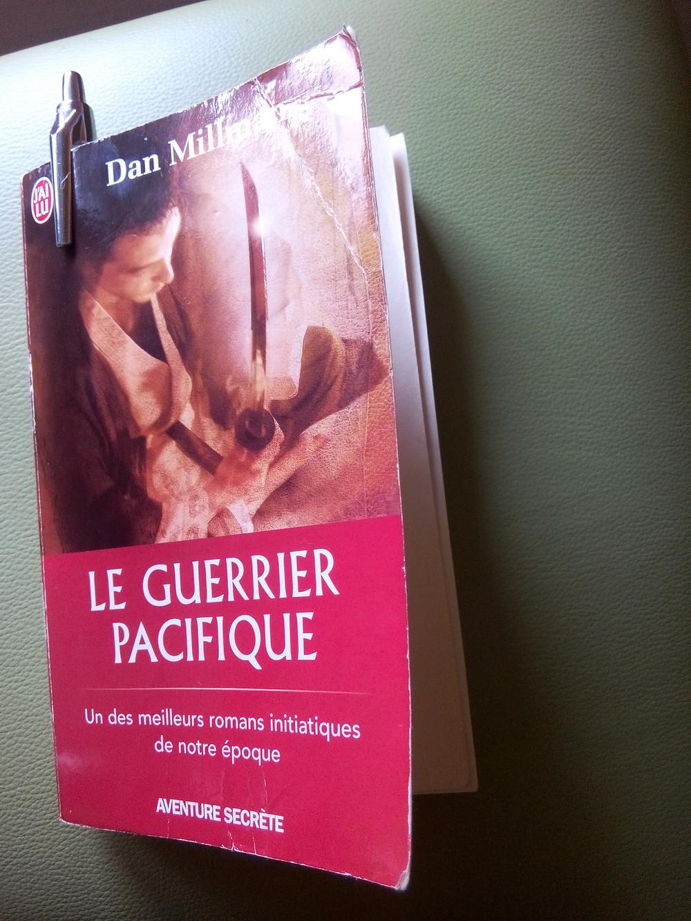 Couverture du livre Le guerrier pacifique de Dan Millman