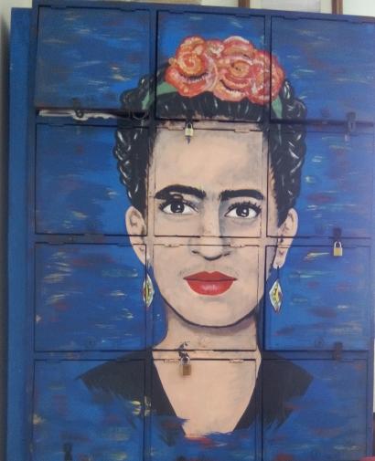 Frida tableau peint sur des portes de casier par Pablo Aponte