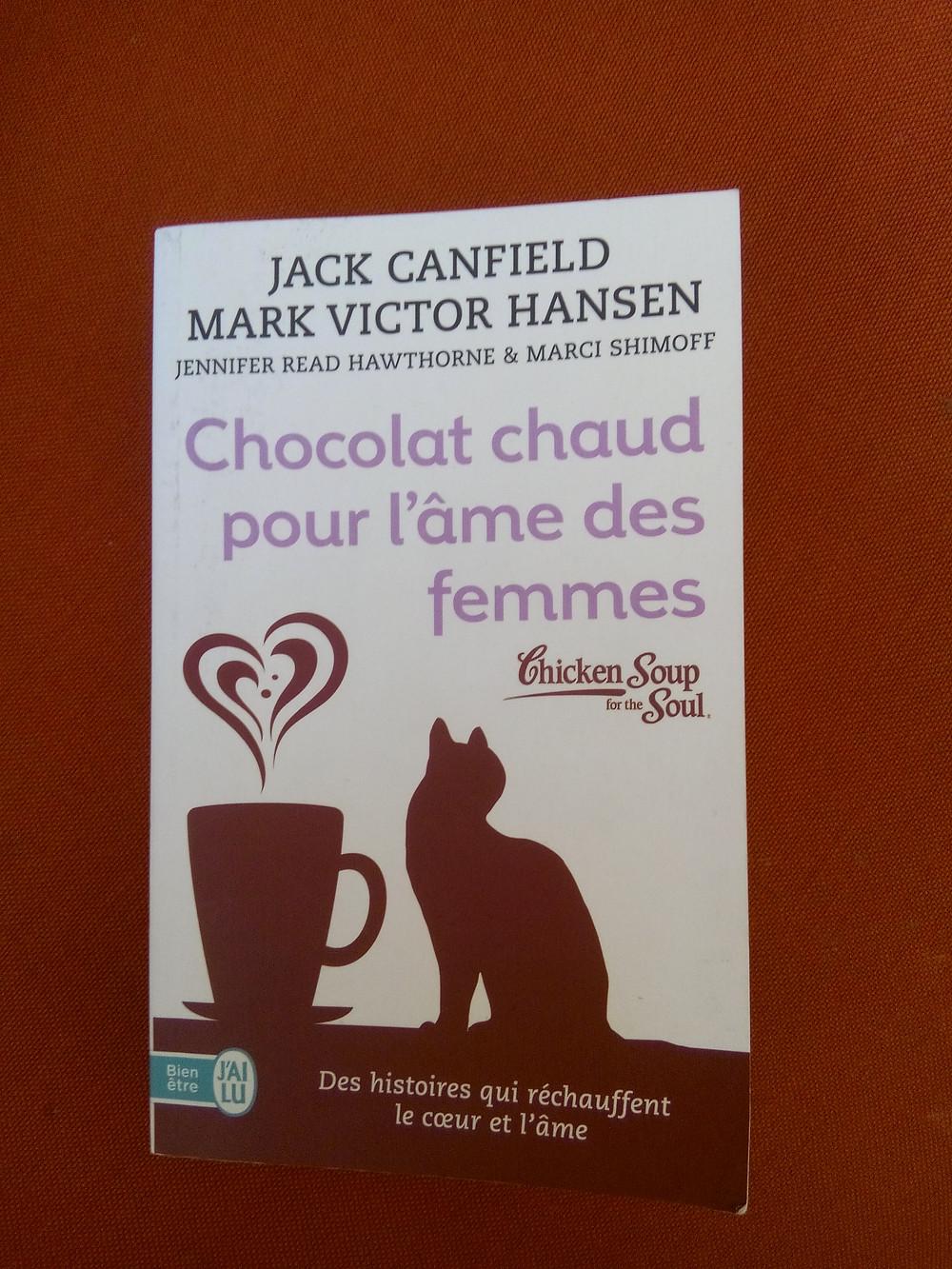 """couverture du livre """"Chocolat chaud pour l'âme des femmes"""