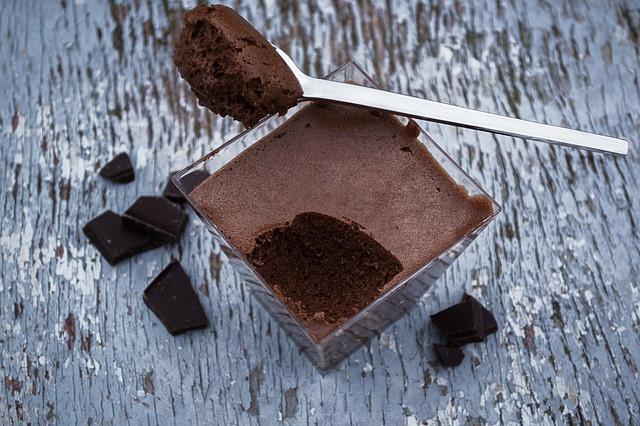 coupe de mousse au chocolat noir