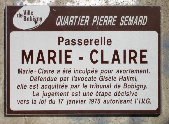 plaque apposée sur la passerelle Marie-Claire à Bobigny