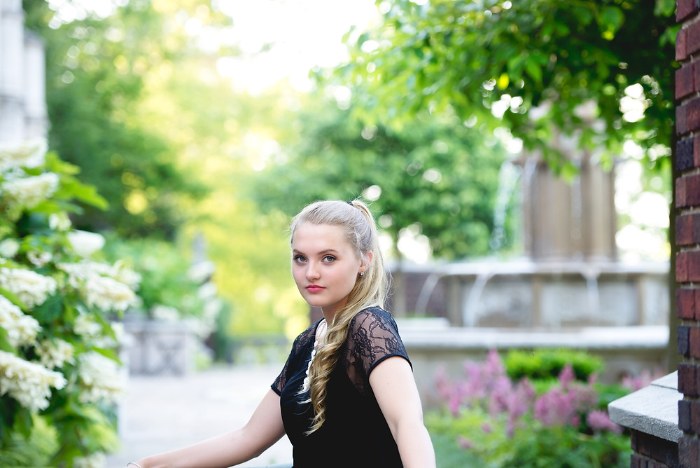 Pittsburgh, High School Senior Picture in at Mellon Park
