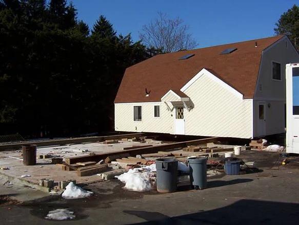 House-Moved-on-Rails.jpg