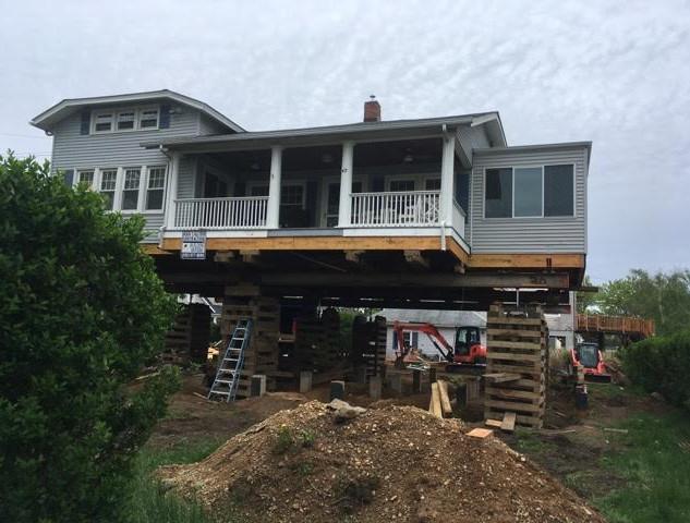 Norwalk House Move.jpg