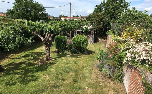 Garden 10 (edit).jpg