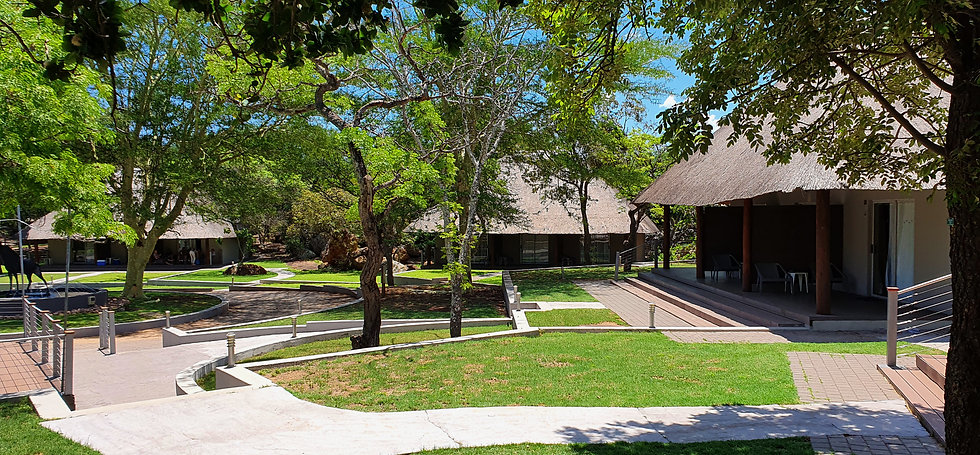 main lodge monate