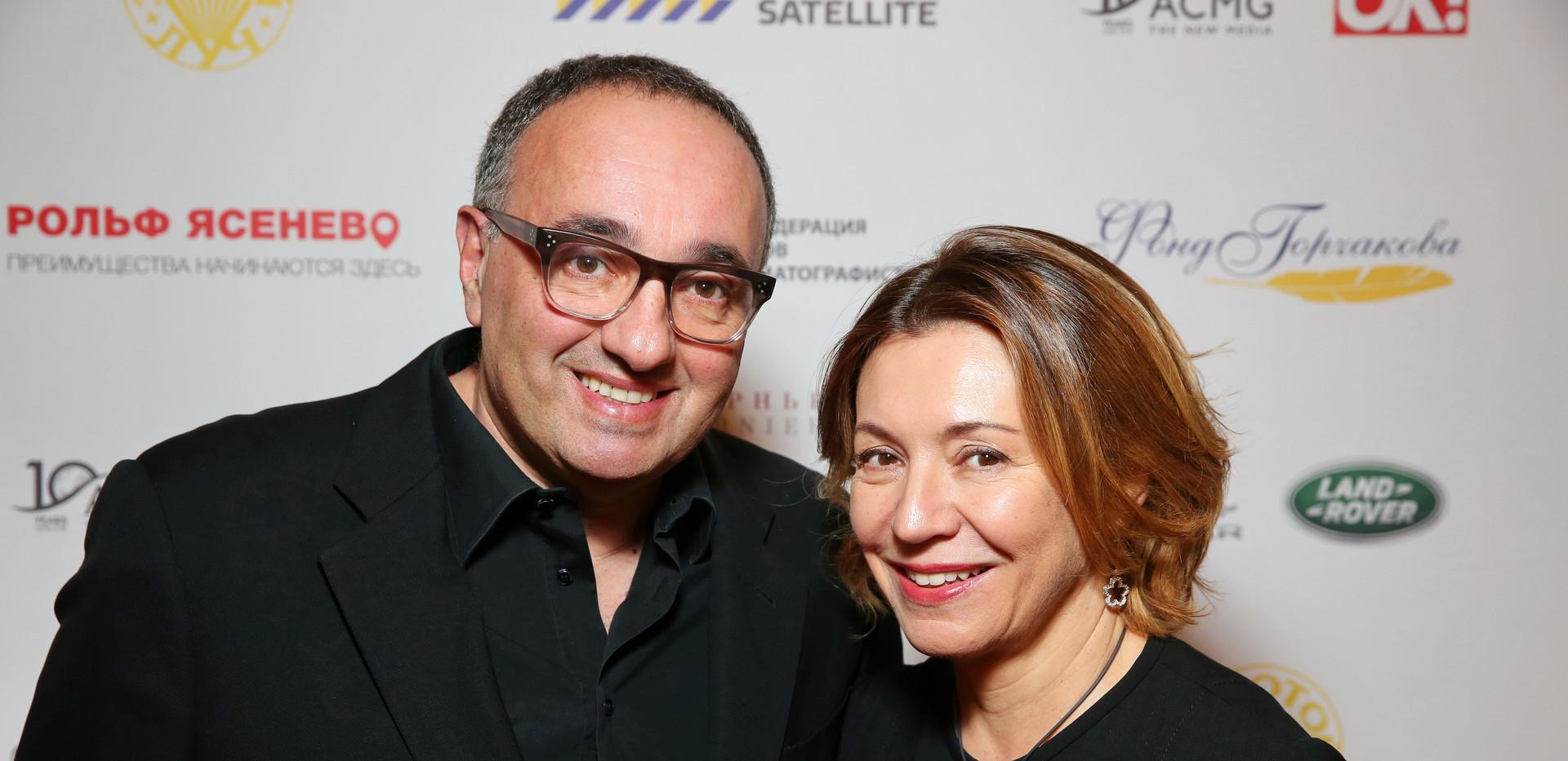 Александр Роднянский с супругой.JPG